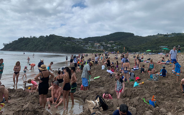 hot water beach tips for digging hot springs