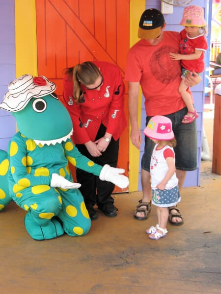 2 children with dorothy the dinosaur at gold coast theme parks